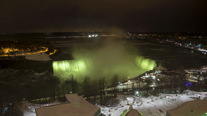 Niagra Falls at night, over Christmas.
